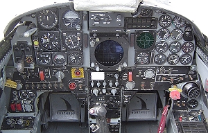 F-5F front instrument panel